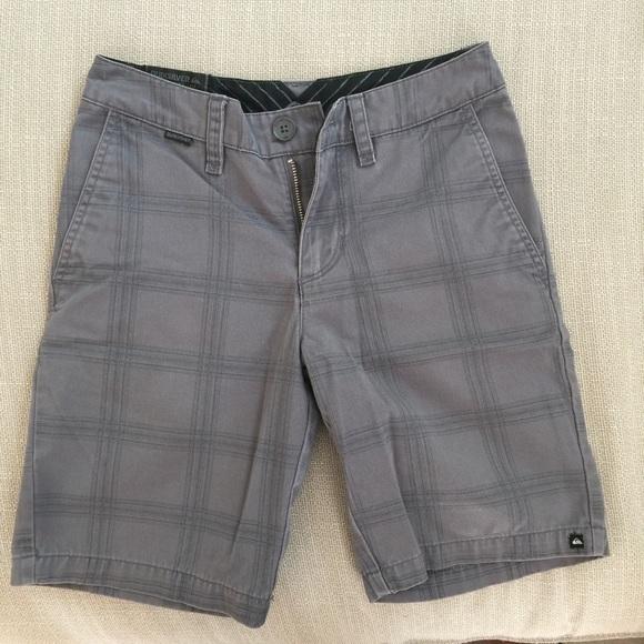 2b185e48dd [4 for $10] Boy's grey Quiksilver shorts